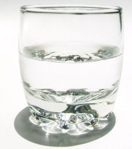 glass-of-water_GyY7CL_O